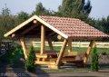 Sitztisch mit Dach aus massiver Lärche